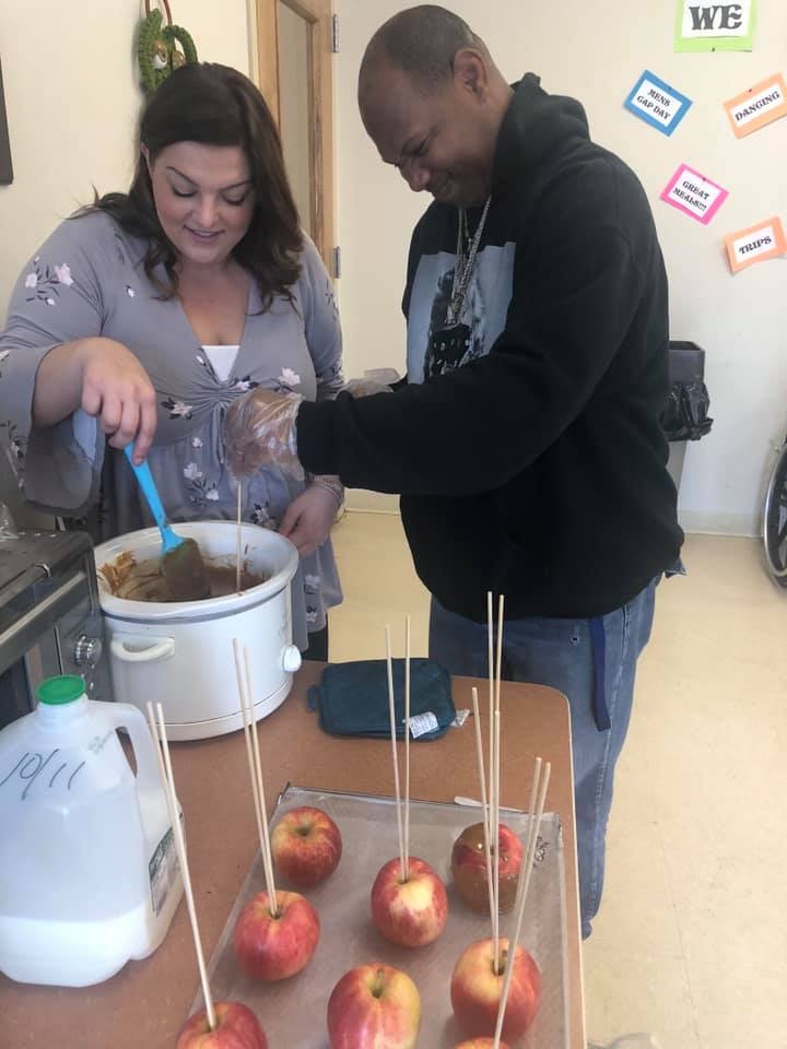 Laurel-Brook-Active-Day-Medical-Daycare-Delran-Caramel-Apples-and-Fall-Treat-Bags-6