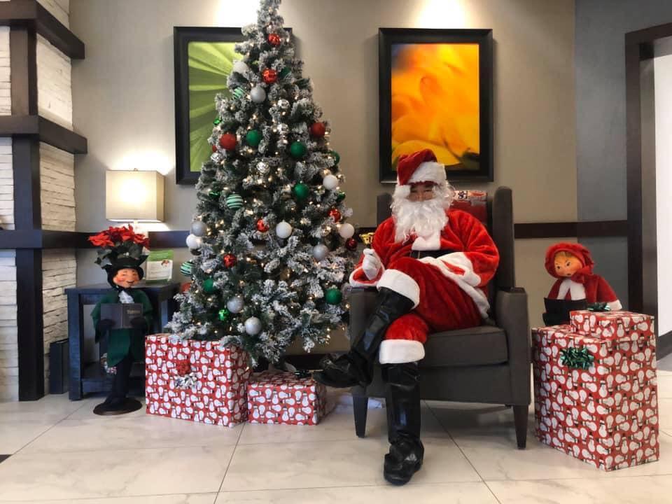 Laurel-Brook-Santa-Visit-1
