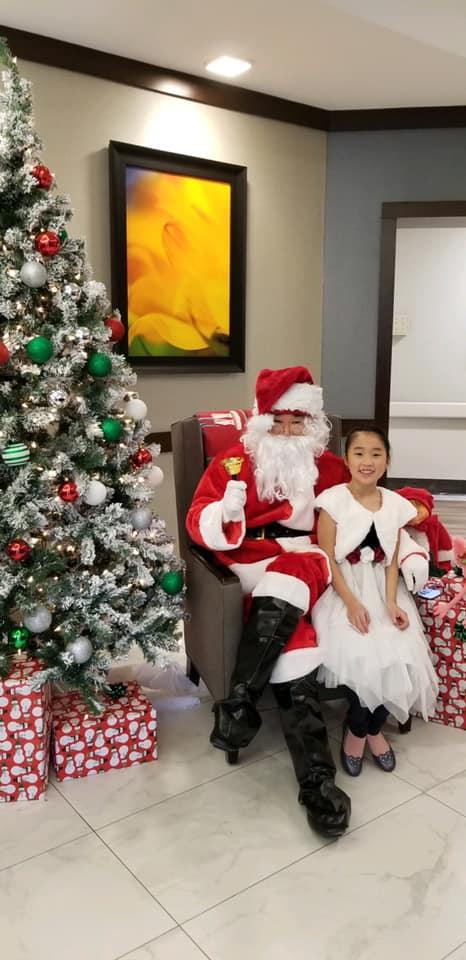 Laurel-Brook-Santa-Visit-4